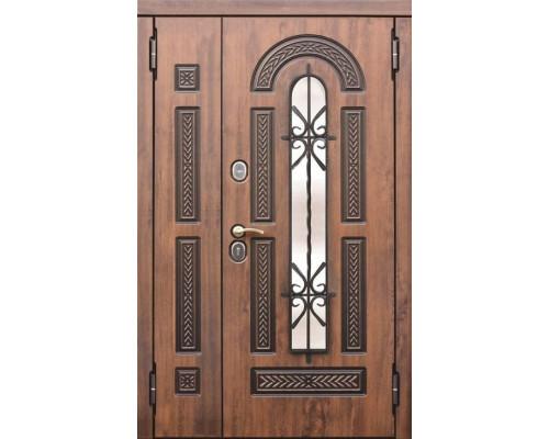Входная дверь со стеклопакетом и ковкой Виконт 1200-1300х2050 мм (Грецкий орех)